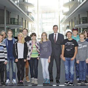 Schülerinnen und Schüler in Berlin im Paul-Löbe-Haus
