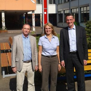 v.l.n.r.: stellvertretender Schulleiter Richard Treber, Schulleiterin Andrea Stegmann, Martin Rabanus